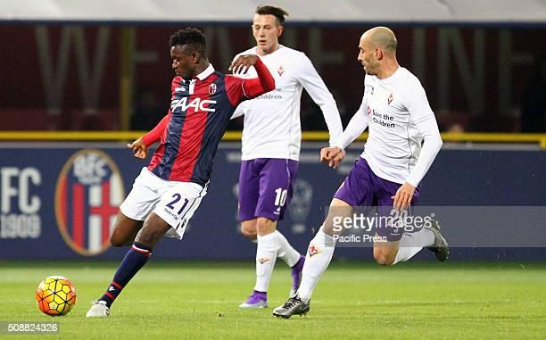 Bologna's midfielder Amadou Diawara kicks the ball during the Italian Serie A football match between Bologna FC v ACF Fiorentina