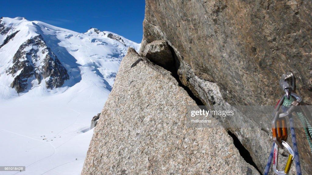 Kletterausrüstung Klettersteig : Bolzen und schnell zeichnen mit kletterausrüstung auf einem