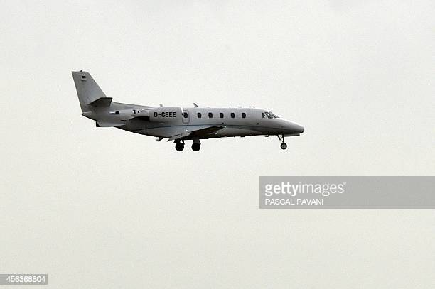 A Bombardier buisness aircraft lands at the ToulouseBlagnac airport on September 29 2014 AFP PHOTO / PASCAL PAVANI