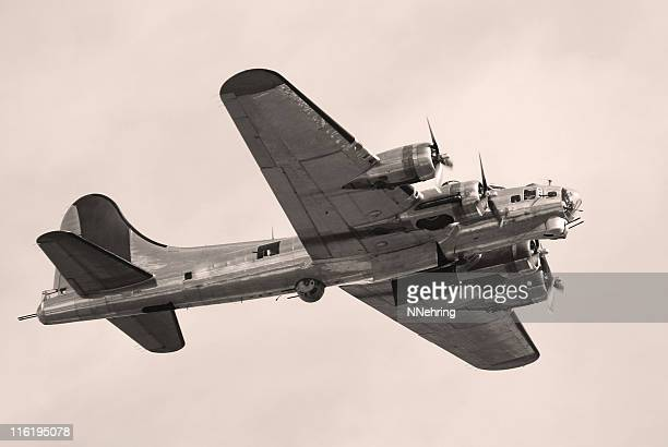 WWII bomber B17 Fortress flying