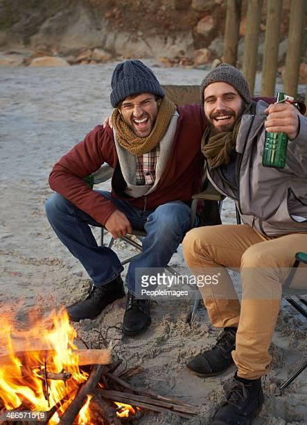 Criar laços com seu irmão na praia