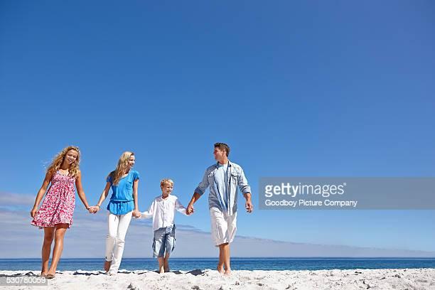 Freundschaftliche Verbundenheit mit meiner Familie am Strand