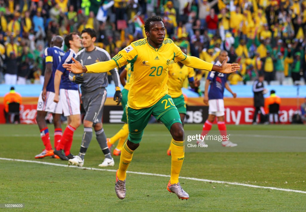 <a gi-track='captionPersonalityLinkClicked' href=/galleries/search?phrase=Bongani+Khumalo&family=editorial&specificpeople=4501463 ng-click='$event.stopPropagation()'>Bongani Khumalo</a> of South Africa celebrates scoring the opening goal during the 2010 FIFA World Cup South Africa Group A match between France and South Africa at the Free State Stadium on June 22, 2010 in Mangaung/Bloemfontein, South Africa.