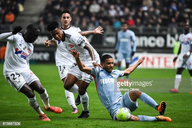 Bongani Zungu of Amiens and Jorge of Monaco during the Ligue 1 match between Amiens SC and AS Monaco at Stade de la Licorne on November 17 2017 in...