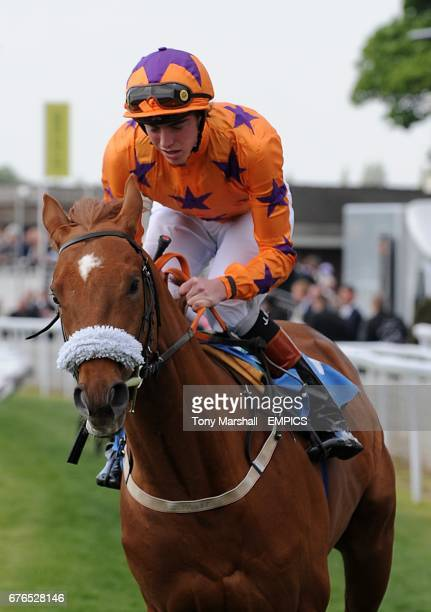 Bonjour Bongee ridden by James Doyle comes home to win the Stratford Place Stud For Royal Ascot 2yos EBF Maiden Stakes during Day Two of the Dante...