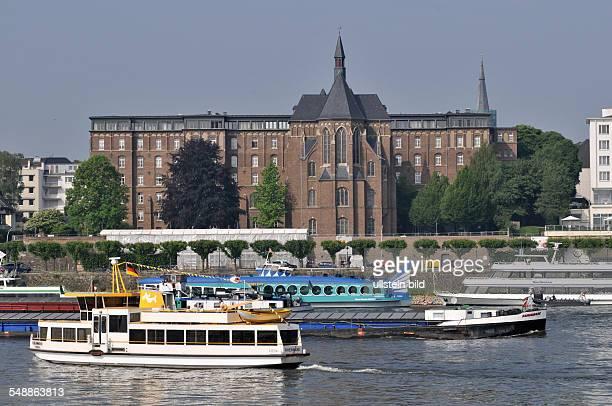 Erzbischöfliches Theologenkonvikt 'Collegium Albertinum' Rhein Schiffe Dampfer Ausflugsdampfer Moby Dick Fluß Verkehr Schiffsverkehr