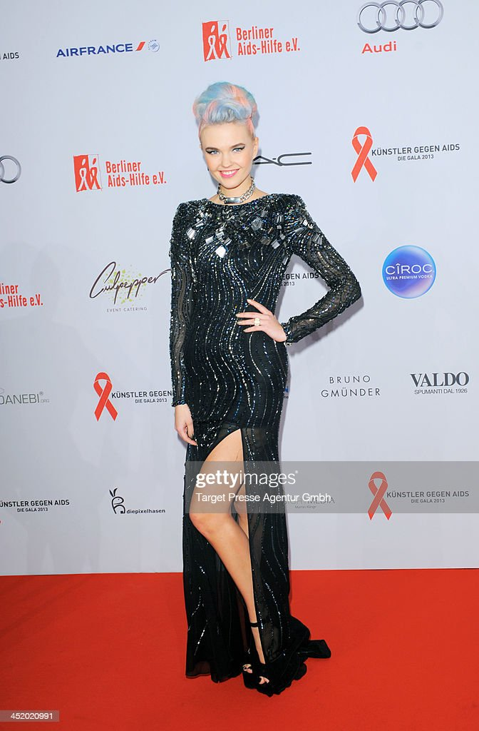 Bonnie Strange attends the Artists Against Aids Gala 2013 (Kuenstler gegen Aids Gala 2013) at Stage Theater on November 25, 2013 in Berlin, Germany.