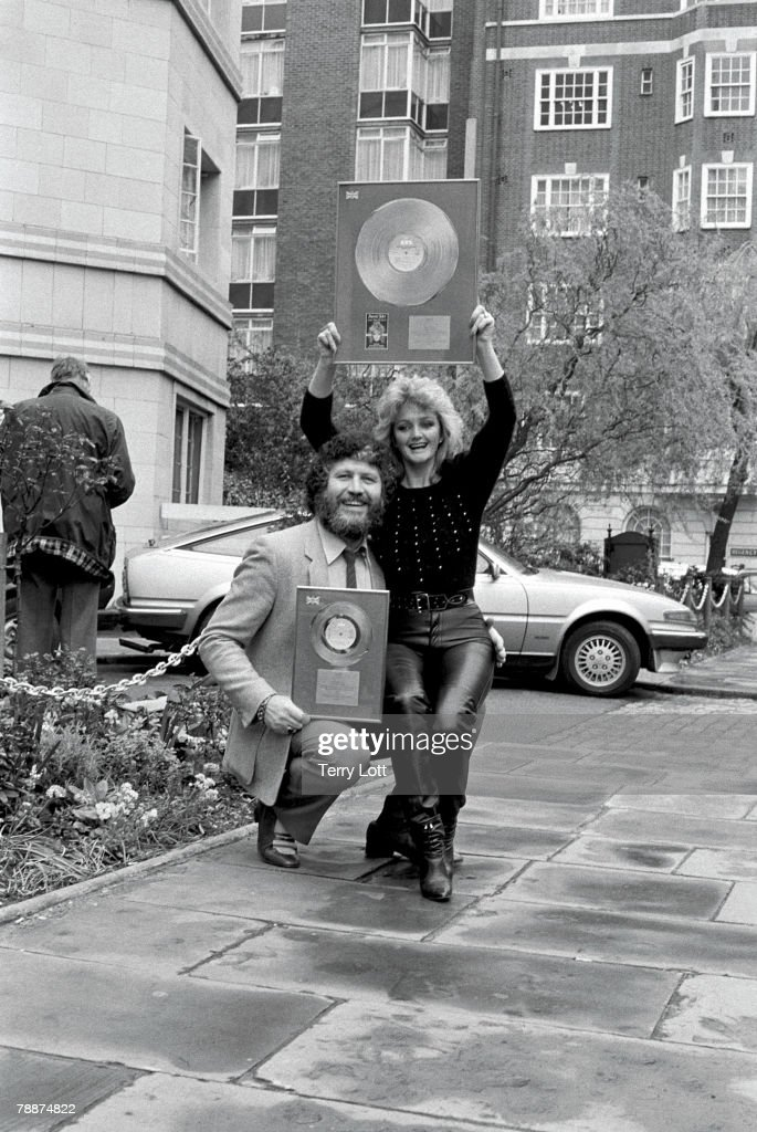 Bonnie Tyler Disc Presentation With Radio DJ, <a gi-track='captionPersonalityLinkClicked' href=/galleries/search?phrase=Dave+Lee+Travis&family=editorial&specificpeople=1624287 ng-click='$event.stopPropagation()'>Dave Lee Travis</a>, London,