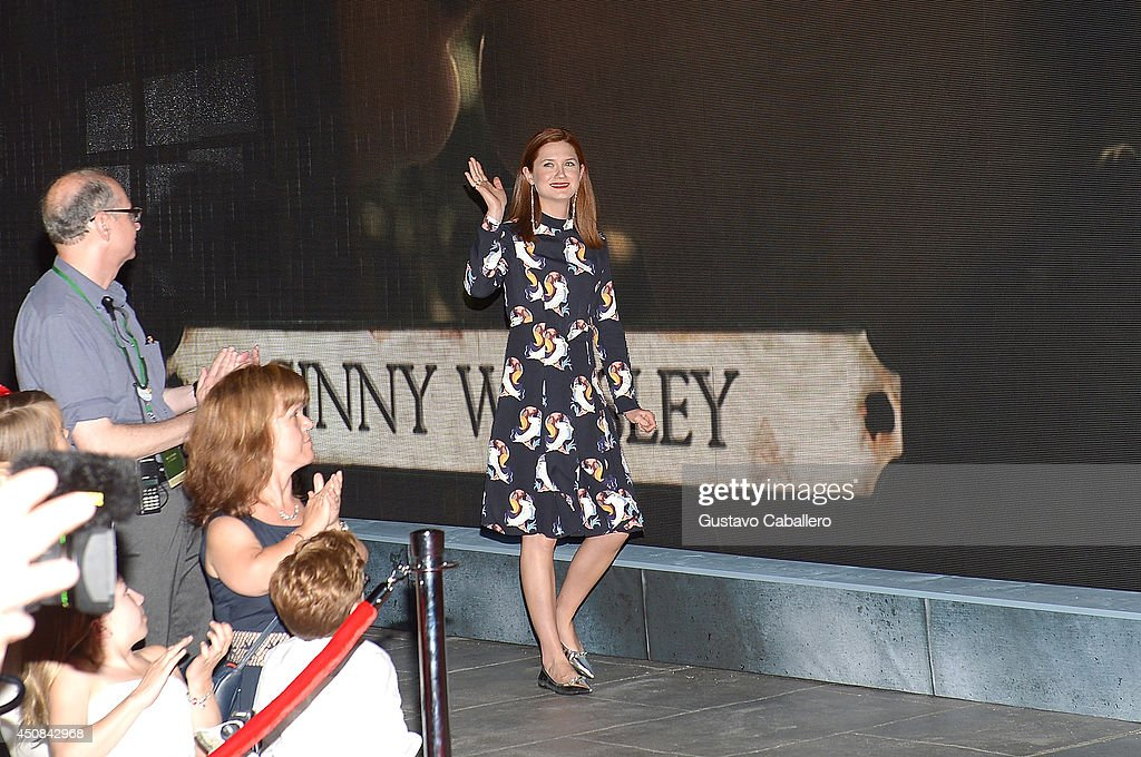 <a gi-track='captionPersonalityLinkClicked' href=/galleries/search?phrase=Bonnie+Wright&family=editorial&specificpeople=2165996 ng-click='$event.stopPropagation()'>Bonnie Wright</a> attends The Wizarding World of Harry Potter Diagon Alley Grand Opening at Universal Orlando on June 18, 2014 in Orlando, Florida.
