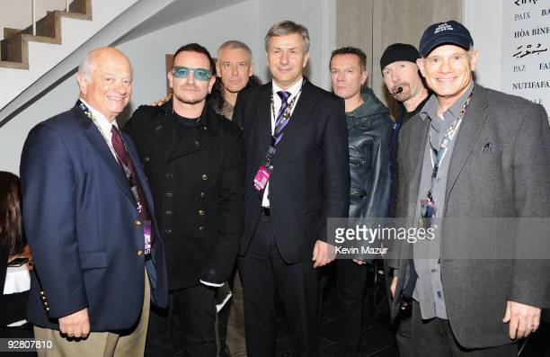 Bono of U2 Adam Clayton of U2 Berlin Mayor Klaus Wowereit Larry Mullen Jr and The Edge of U2 and MTV CEO Bill Roedy pose prior to the concert in...