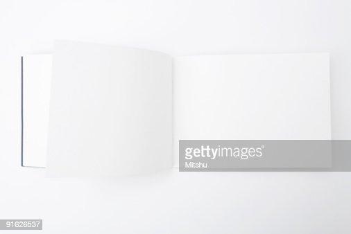 Libro con pagine vuote