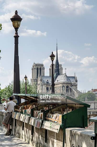 Bookstall front of Notre Dame