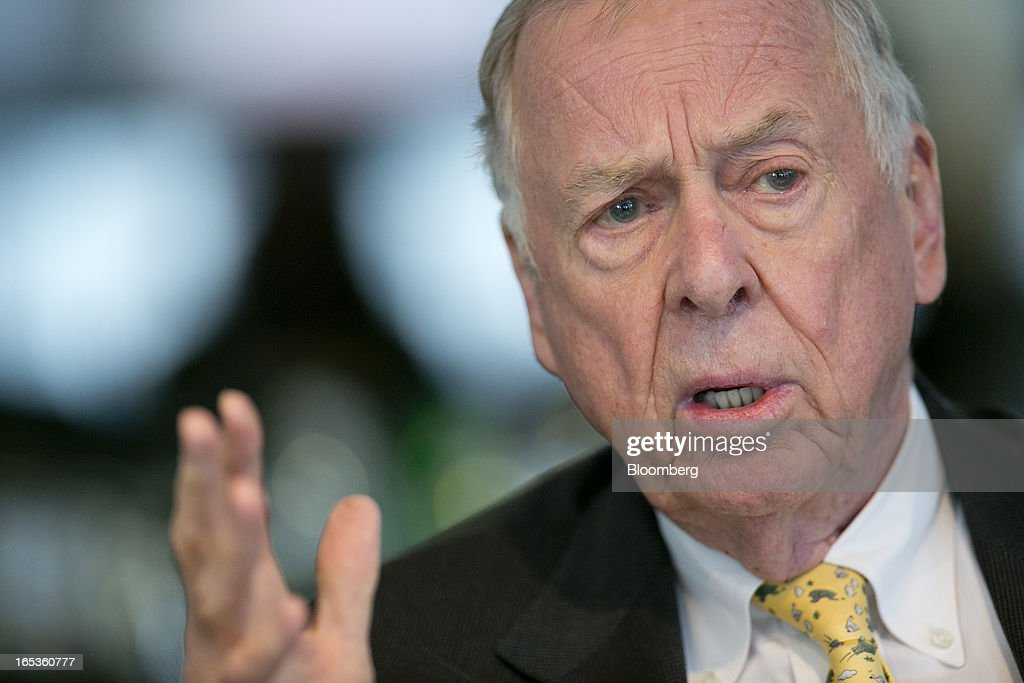 <a gi-track='captionPersonalityLinkClicked' href=/galleries/search?phrase=T.+Boone+Pickens&family=editorial&specificpeople=1971005 ng-click='$event.stopPropagation()'>T. Boone Pickens</a>, founder and chief executive officer of BP Capital LLC, speaks during an interview in Washington, D.C., U.S., on Wednesday, April 3, 2013. Billionaire investor <a gi-track='captionPersonalityLinkClicked' href=/galleries/search?phrase=T.+Boone+Pickens&family=editorial&specificpeople=1971005 ng-click='$event.stopPropagation()'>T. Boone Pickens</a> said the U.S. is on a path to energy independence, without the federal help he wanted Congress to provide. Photographer: Andrew Harrer/Bloomberg via Getty Images