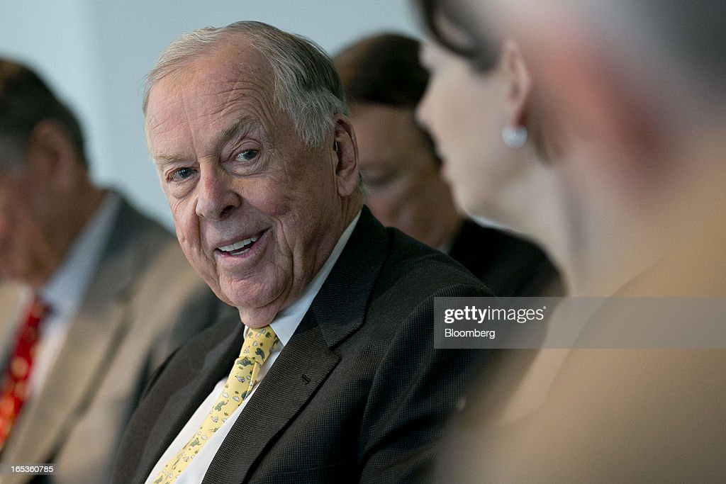 T. Boone Pickens, founder and chief executive officer of BP Capital LLC, smiles during an interview in Washington, D.C., U.S., on Wednesday, April 3, 2013. Billionaire investor T. Boone Pickens said the U.S. is on a path to energy independence, without the federal help he wanted Congress to provide. Photographer: Andrew Harrer/Bloomberg via Getty Images