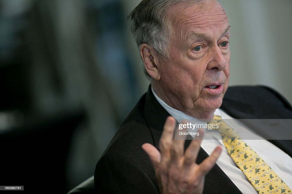 T. Boone Pickens, founder and chief executive officer of BP Capital LLC, speaks during an interview in Washington, D.C., U.S., on Wednesday, April 3, 2013. Billionaire investor T. Boone Pickens said the U.S. is on a path to energy independence, without the federal help he wanted Congress to provide. Photographer: Andrew Harrer/Bloomberg via Getty Images
