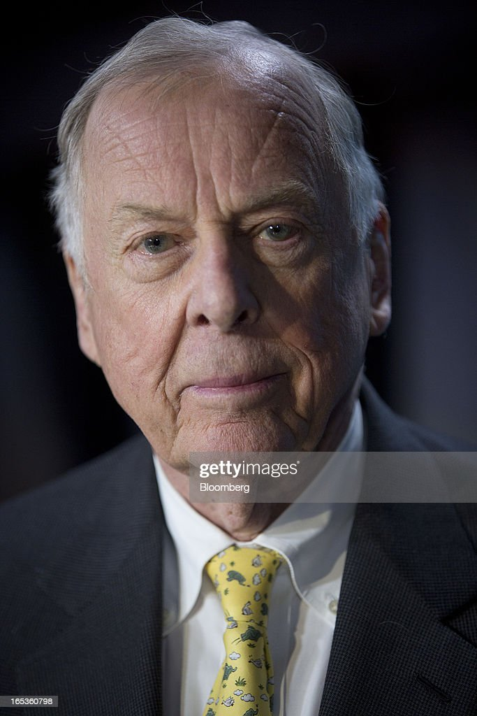 T. Boone Pickens, founder and chief executive officer of BP Capital LLC, sits for a photograph following a Bloomberg Television interview in Washington, D.C., U.S., on Wednesday, April 3, 2013. Billionaire investor T. Boone Pickens said the U.S. is on a path to energy independence, without the federal help he wanted Congress to provide. Photographer: Andrew Harrer/Bloomberg via Getty Images
