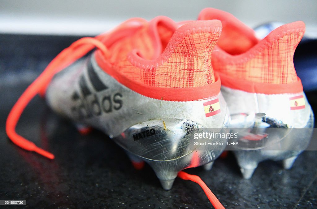 Boots are seen in the dressing room of Athletico Madrid is seen in the dressing room prior the UEFA Champions League Final match between Real Madrid and Club Atletico de Madrid at Stadio Giuseppe Meazza on May 28, 2016 in Milan, Italy.