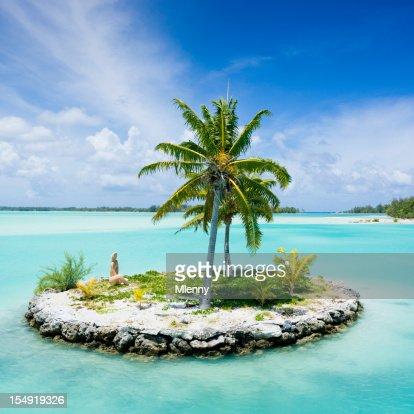 Bora-Bora Island Airport Lagoon Islet Tiki Statue