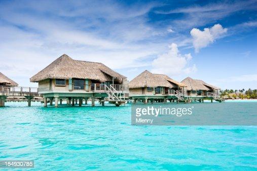 Bora-Bora Tourist Resort Lagoon Stil Huts