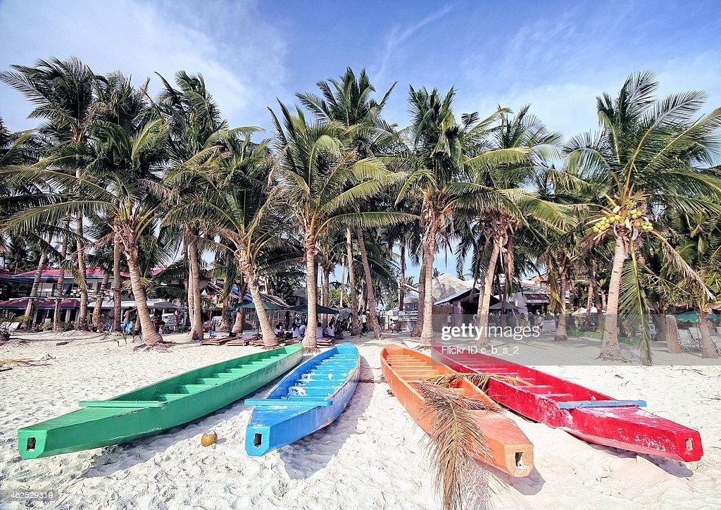Boracay Dragon Boats : Stock Photo