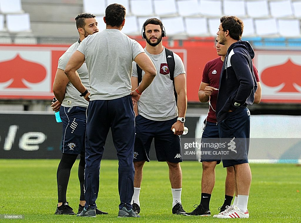 Bordeaux Begles' players talk before the French Top 14 rugby union match Grenoble (FCG) vs Bordeaux Begles (UBB) on may 6, 2016 at the Stade des Alpes in Grenoble.