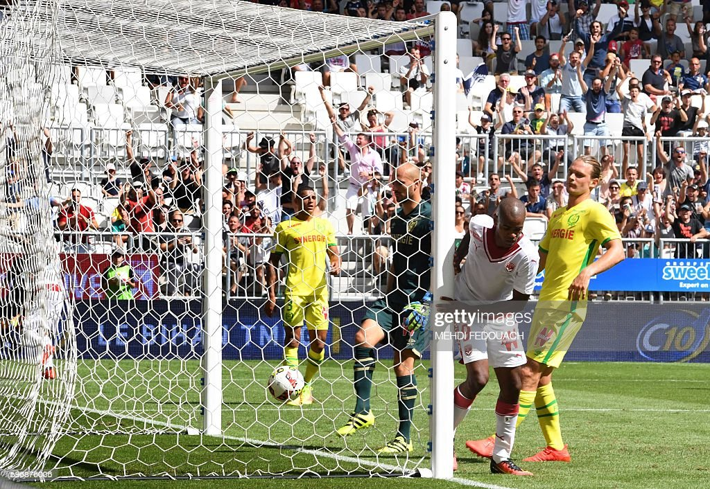 Bordeaux' Uruguay forward Diego Rolan Silva scores a goal during the French L1 football match Bordeaux vs Nantes on August 28 2016 at the Matmut...