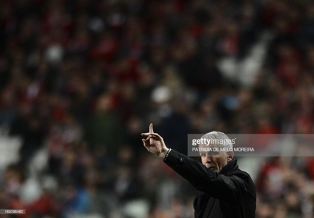 Bordeaux's coach Francis Gillot gestures during the UEFA Europa League round of 16 first leg football match SL Benfica vs FC Girondins de Bordeaux at the Luz stadium in Lisbon on March 7, 2013.