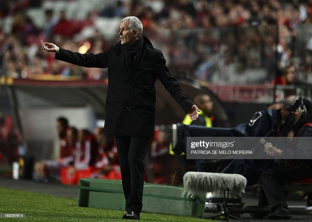 Bordeaux's coach Francis Gillot reacts during the UEFA Europa League round of 16 first leg football match SL Benfica vs FC Girondins de Bordeaux at the Luz stadium in Lisbon on March 7, 2013. Benfica won 1-0. AFP PHOTO / PATRICIA DE MELO MOREIRA