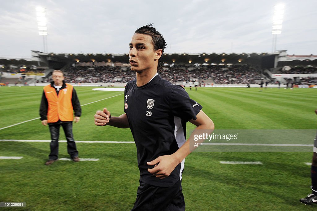 Bordeaux's forward Marouane Chamakh runs prior to the French L1 football match Bordeaux vs. Sochaux on May 8, 2010, at the Chaban-Delmas stadium in Bordeaux, southwestern France.