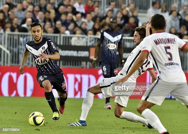 Bordeaux's French midfielder Adam Ounas runs after the ball during the French L1 football match between Bordeaux and Paris on May 11 2016 at the...
