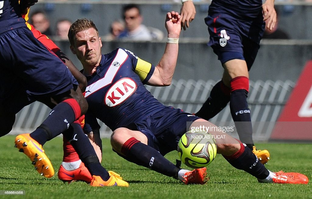 Bordeaux's French midfielder <a gi-track='captionPersonalityLinkClicked' href=/galleries/search?phrase=Gregory+Sertic&family=editorial&specificpeople=5853019 ng-click='$event.stopPropagation()'>Gregory Sertic</a> kicks the ball during the French L1 football match between Girondins de Bordeaux (FCGB) and Lens (RCL) on April 5, 2015 at the Chaban-Delmas stadium in Bordeaux, southwestern France.