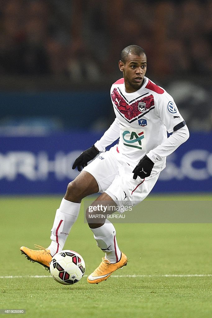 Bordeaux's Uruguyan forward Diego Rolan controls the ball during the French Cup football match Paris Saint-Germain (PSG) vs Girondins de Bordeaux (FCGB) at the Parc des Princes stadium in Paris on January 21, 2015.