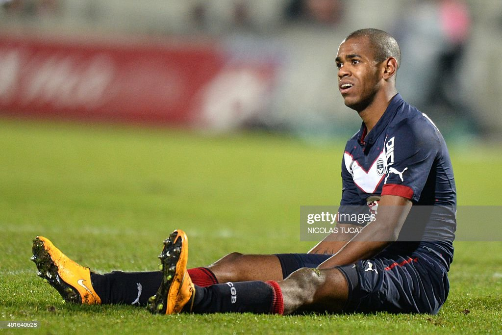 Bordeaux's Uruguyan forward Diego Rolan reacts during a French L1 football match between Girondins de Bordeaux (FCGB) and Nice (OGCN) on January 16, 2015 at the Chaban-Delmas stadium in Bordeaux, southwestern France.