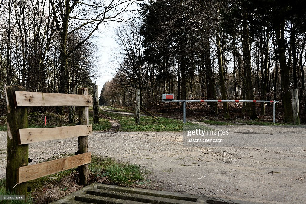 A border barrier marks entry to Holland at Alte Zollstra§e lane on the German-Dutch border on February 11, 2016 near Elmpt, Germany. Despite an announcement by Dutch authorities two days before that effective immediately police would begin conducting stricter controls of incoming traffic at border crossings to Germany not a single Dutch police officer was present at at least 15 border crossings today. Dutch authorities made the announcement as part of an effort to prevent migrants who have no case for asylum from entering Holland.