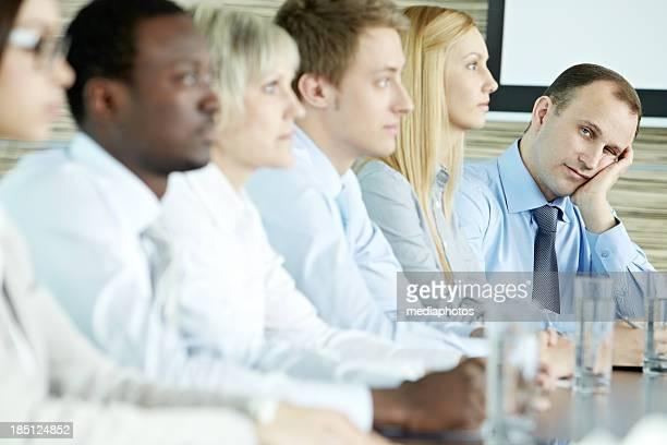 Langeweile im Konferenzraum
