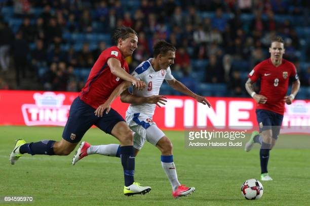 Borek Dockal of Czech Republic and Sander Berge of Norway during the FIFA 2018 World Cup Qualifier between Norway and Czech Republic at Ullevaal...