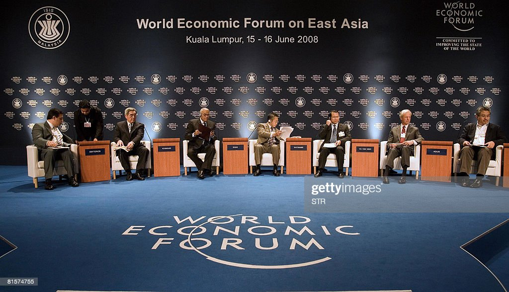 Borge Brende, Managing Director of World Economic Forum, Japan's Takao Kusakari, Chairman of Nippon Yusen Kabushi Kaisha, India's Member of Parliament, Yashwant Sinha, Japan's Minister of Financial Services Yoshimi Watanabe, Vietnam Finance Minister Vu Van Ninh , Marcus Agius, Chairman of Barclays of United Kingdom and Azman Mokhtar, Managing Director of Khazanah Nasional of Malaysia attend the World Economic Forum on East Asia in Kuala Lumpur on June 15, 2008. The 17th World Economic Forum on East Asia returned to Malaysia, where leaders from over 20 countries are to convene to debate the challenges and priorities that will ultimately shape the region?s future agenda. AFP PHOTO
