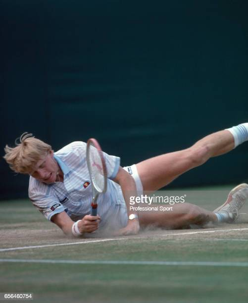 becker hindu single men Agassi single-handedly wipes out becker : men's indian wells — boris becker's single-mindedness the singles match before this one took becker 2.