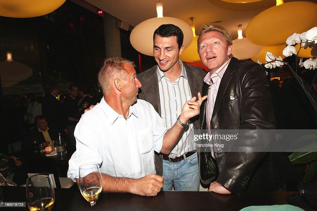 Boris Becker Und Wladimir Klitschko Und Thomas Muster Bei Der 'Atp Player'S Night' Im Copper House In Hamburg Am 140508