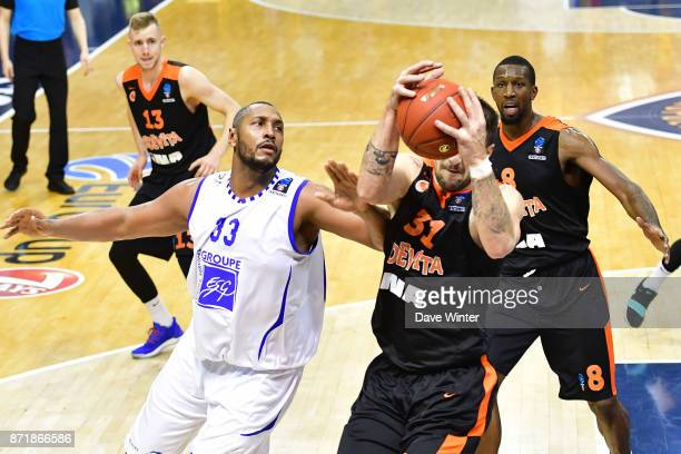 Boris Diaw of Levallois and Andrija Stipanovic of Cedevita Zagreb during the EuropCup match between Levallois Metropolitans and Cedevita Zagreb at...