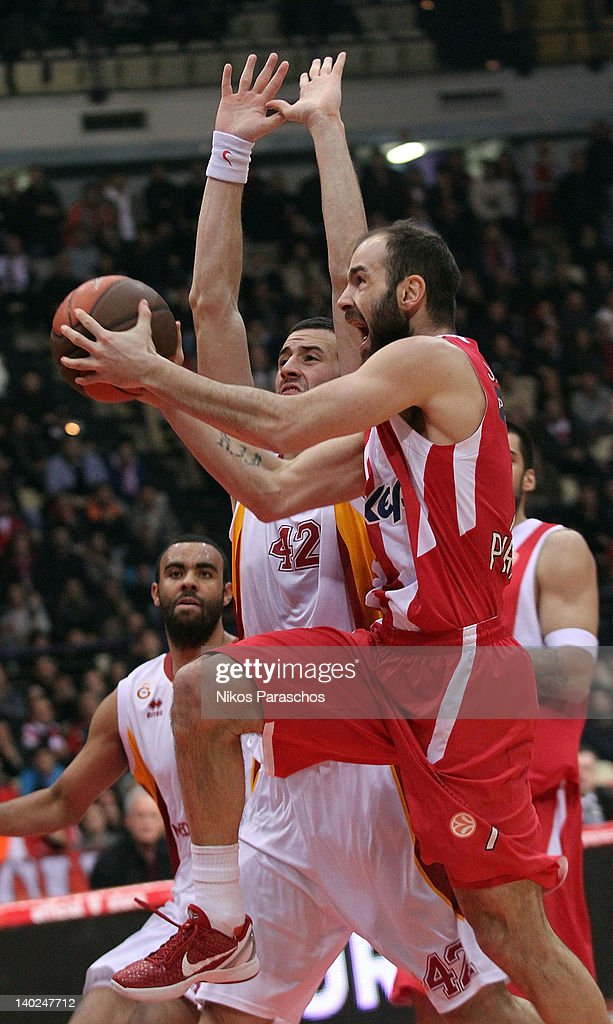 Boris Savovic (L) of Galatasaray Medical Park competes with <a gi-track='captionPersonalityLinkClicked' href=/galleries/search?phrase=Vassilis+Spanoulis&family=editorial&specificpeople=704857 ng-click='$event.stopPropagation()'>Vassilis Spanoulis</a> (R) of Olympiacos Piraeus during 2011-2012 Turkish Airlines Euroleague TOP 16 Game Day 6 between Olympiacos Piraeus v Galatasaray Medical Park at Peace and Friendship Stadium on March 1, 2012 in Athens, Greece.