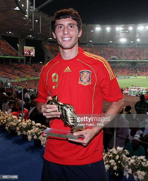 Borja of Spain poses with the Golden Shoe Trophy after the FIFA U17 World Cup Final between Switzerland and Nigeria at the Abuja National Stadium on...