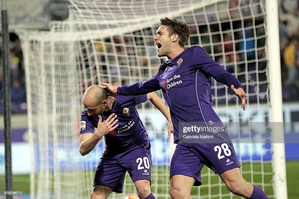 <a gi-track='captionPersonalityLinkClicked' href=/galleries/search?phrase=Borja+Valero&family=editorial&specificpeople=4821853 ng-click='$event.stopPropagation()'>Borja Valero</a> of ACF Fiorentina celebrates after scoring a goal during the Serie A match between ACF Fiorentina and FC Internazionale Milano at Stadio Artemio Franchi on February 14, 2016 in Florence, Italy.