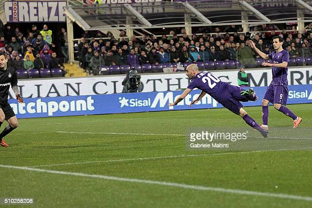 Borja Valero of ACF Fiorentina scores a goal during the Serie A match between ACF Fiorentina and FC Internazionale Milano at Stadio Artemio Franchi...