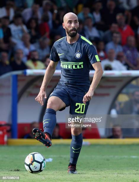 Borja Valero of Inter during the Serie A match between Benevento Calcio and FC Internazionale at Stadio Ciro Vigorito on October 1 2017 in Benevento...
