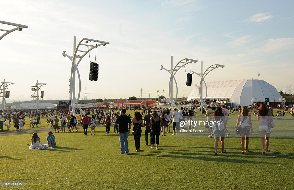 Born in 1985 in Rio of Janeiro, ekl musical festival ' Rock in Rio ' has turned into the most important of the world. This year has been in Spain, in the people of Arganda del Rey, and have sung some of the singers most popular of the moment, as Shakira, Rihanna and Milay Cyrus, 4th Juny 2010.