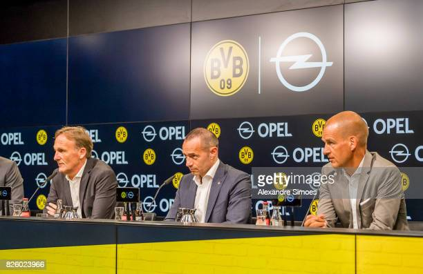 Borussia Dortmund and OPEL announce Partnership Extension to 2022 In this picture you can see HansJoachim Watzke Juergen Keller and Carsten Cramer on...