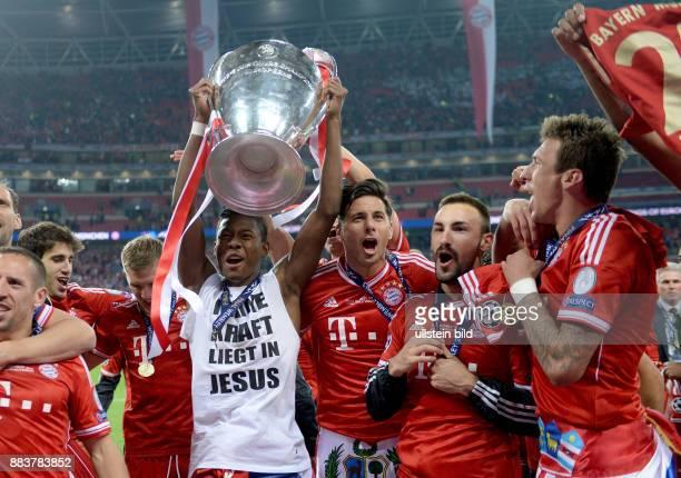 FUSSBALL CHAMPIONS Borussia Dortmund FC Bayern Muenchen Champions League Sieger 2013 FC Bayern Muenchen Franck Ribery David Alaba Claudio Pizarro...