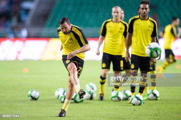 Borussia Dortmund Midfielder Gonzalo Castro Warming up during the International Champions Cup 2017 match between AC Milan vs Borussia Dortmund at...
