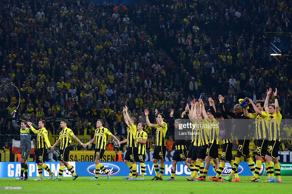 Borussia Dortmund players celebrate winning 4-1 in the UEFA Champions League semi final first leg match between Borussia Dortmund and Real Madrid at Signal Iduna Park on April 24, 2013 in Dortmund, Germany.